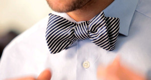 Tying a bow tie